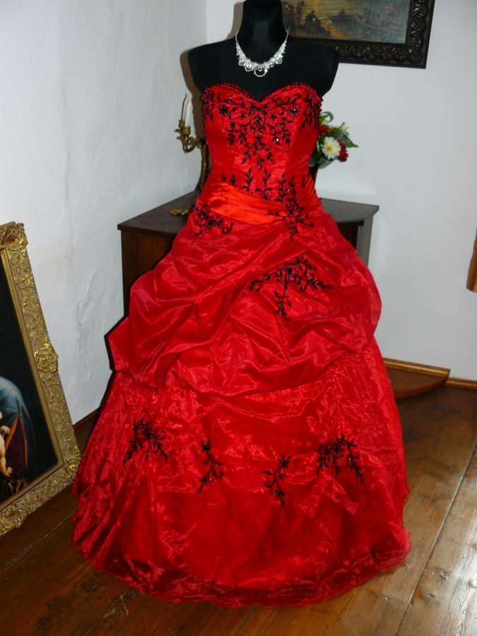 plesové šaty » skladem plesové » do 5000Kč · plesové šaty » skladem plesové  » červená 599d28abc1